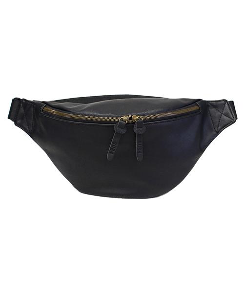 バッグ,ファッション,コーデ,コーディネート,プチプラ,プチプライス,ブランド,かわいい,カワイイ,可愛い,使いやすい,安い,ブランド,スマホ入れ